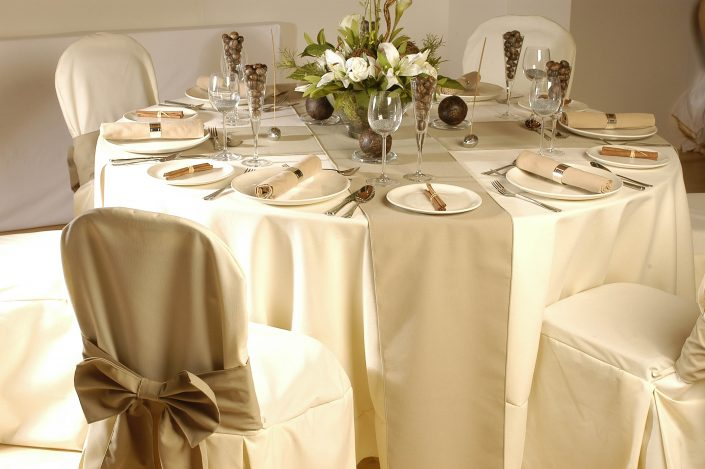 White table cover for hotels
