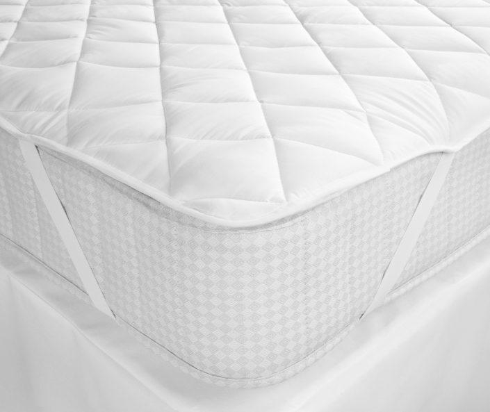 Hollow fibre topper mattress for hotel